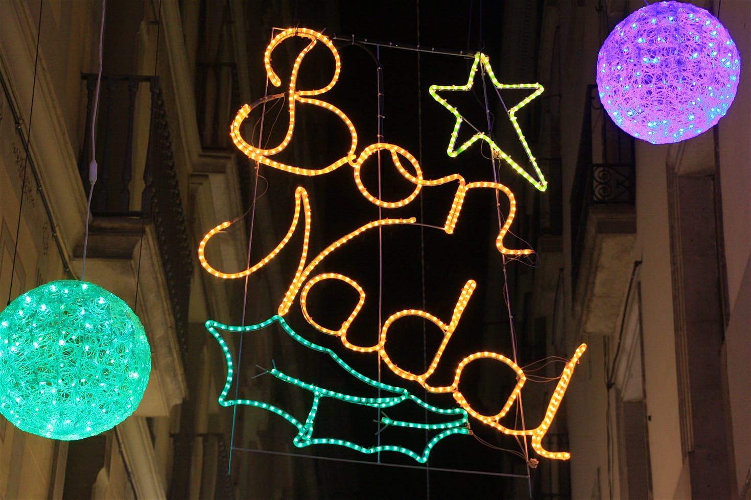 Festive lights on the Carrer Montsió. Image by Núria / CC BY-SA 2.0